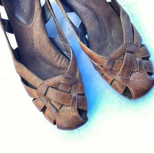 Bare Traps Leather Wedge slip on's